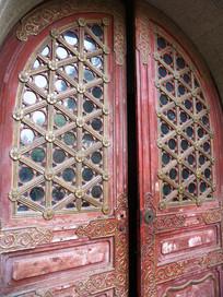 中式建筑 红色木门