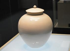 宋代白釉罐