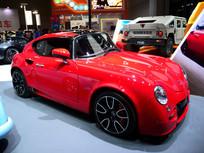 红色法国佩奇奥私人定制汽车