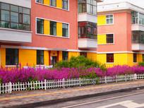 色彩鲜艳的房子