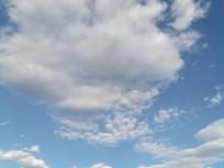 可爱的白云图片