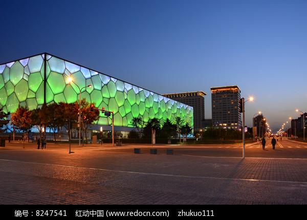 绿色水立方夜景图片