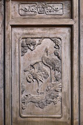 门饰木雕鹤寿图