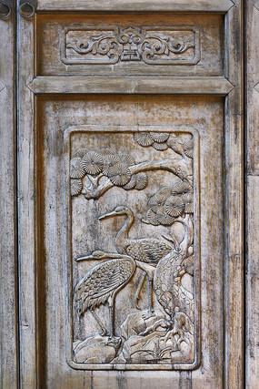 松鹤图案门饰木雕