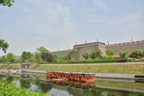 西安古城下木舟风景