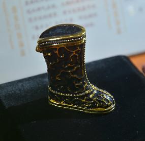 收藏品春水纹首靴子