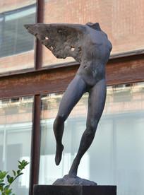 创意雕塑作品飞行的梦想