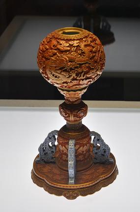 文物雕漆描金双龙戏珠纹冠架