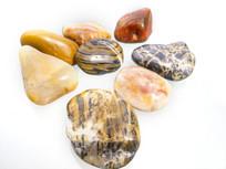一堆小石头
