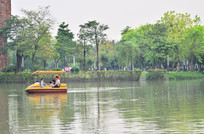 公园湖泊风格图片