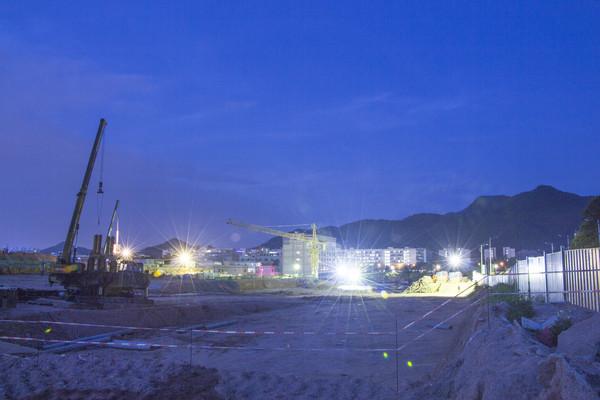 建筑工地夜幕降临