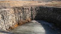 水井池塘冰冻图片