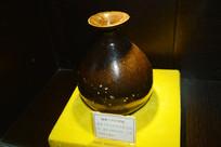 褐釉玉春壶酒瓶