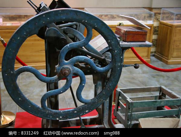 老式印刷机图片