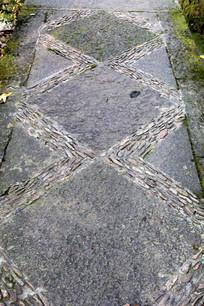 石子与石板铺路