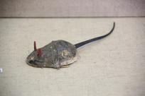纸扎彩绘提线老鼠