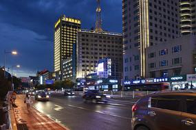 呼市街头夜景