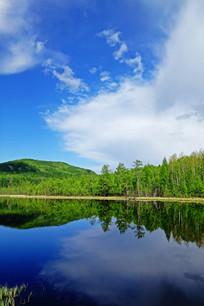 宁静的湖泊