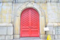 红色古典大门