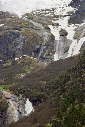 雪山山涧溪流瀑布