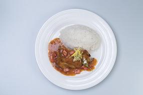 白米饭酱汁肉块