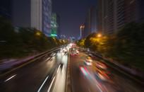 人为模糊的城市道路与车流