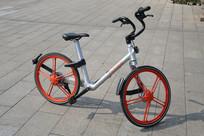 红色摩拜共享单车