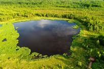 森林湖泊风光