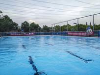 露天游泳池