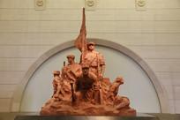 红色革命红军和工农武装雕像