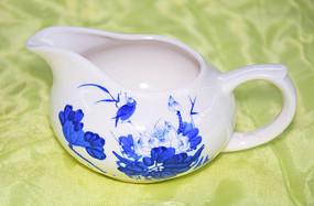 青花瓷茶杯