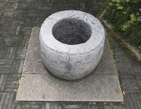 苏州圆林里的古代水井