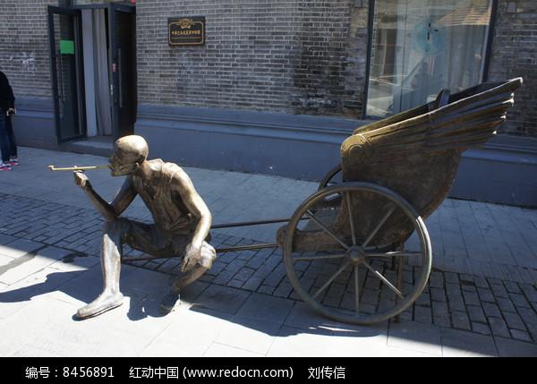 中华巴洛克雕塑街头图片