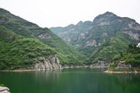 绿色高山风景图