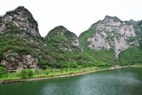 高山与湖泊风光图片