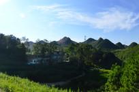 蓝天下的贵州山村
