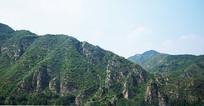 绿色断崖山脉风景