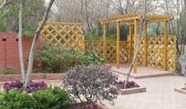 木质镂空隔墙园林景观