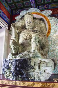 西方广目天王玉雕像