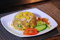 菠萝海鲜炒饭