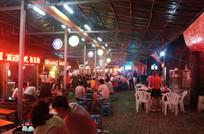 美食街夜景