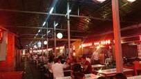 热闹的小吃夜市
