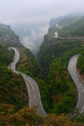 河南林州太行山上的道路