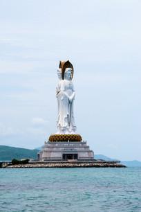 南海观音菩萨雕像近影