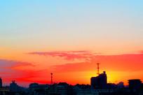城市红色日落