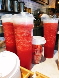 果汁店的西瓜汁