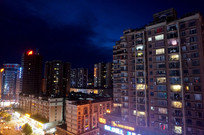 夜晚的小城