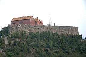 山顶的石佛寺