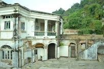 厦门鼓浪屿景区的废弃建筑