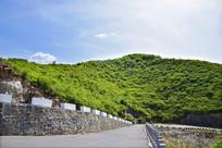 嵩阴山脉的盘山公路